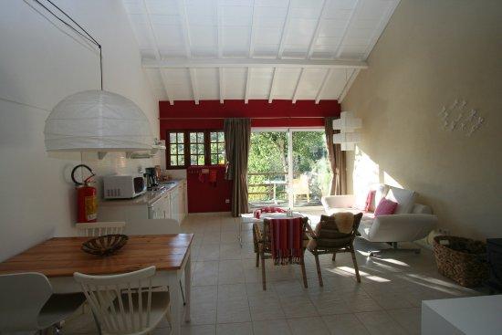 Arganil, Portugalia: sassy red