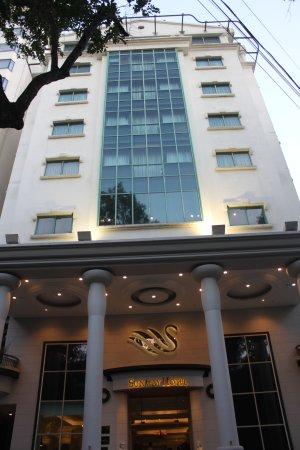 "Sunway Hotel Hanoi: ""OUTSIDE"""
