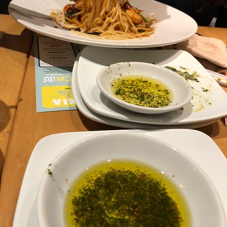 photo6.jpg - Picture of California Pizza Kitchen, Livonia - TripAdvisor