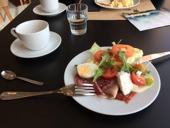 Golden Tulip Vivaldi Hotel: breakfast