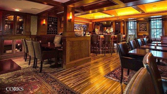 Bedford Village Inn: Corks Wine Bar