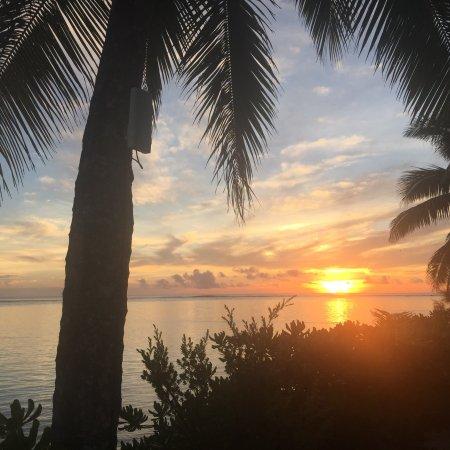 Sanctuary Rarotonga-on the beach: photo1.jpg