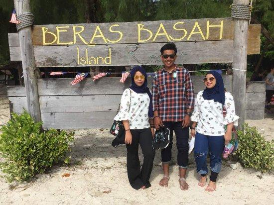Beras Basah Island: just love the softness of the sand