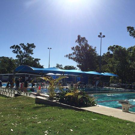 Yeronga park heated pools brisbane all you need to for Pool show brisbane