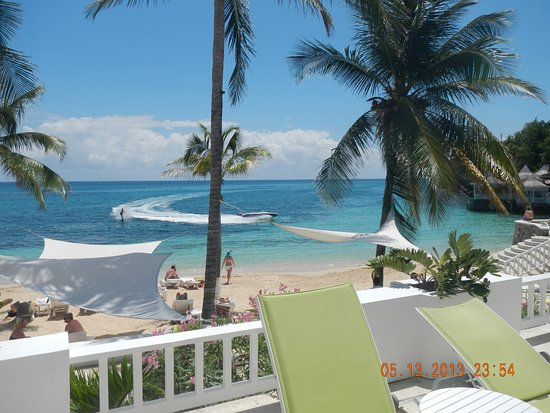 Couples Tower Isle: Private Hotel Beach