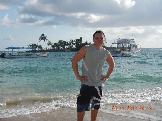 Couples Tower Isle: Beach