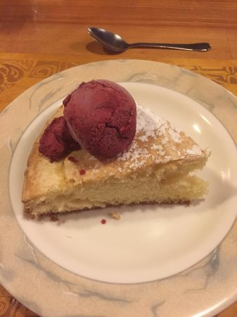 Pension Bounty : a dessert of a typical dinner