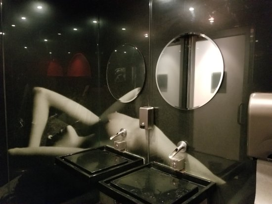 Proof: Mensroom Sink