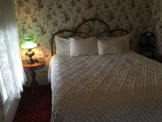 Jefferson, TX: Excelsior House Room #201 - clean, comfy & quiet