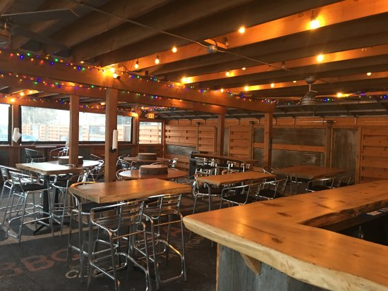 Clawson, MI: The Woodpile BBQ outdoor covered dining. Quaint and cozy, eclectic and fun!