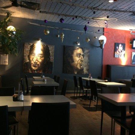 Joliette, Canada: Faste fou restaurant bar
