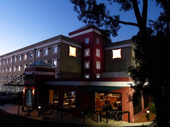 Hotel Ibis Thornleigh: Exterior