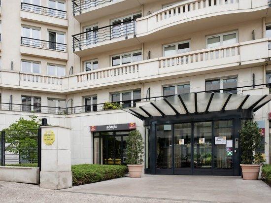 adagio paris porte de versailles issy les moulineaux france hotel reviews photos price. Black Bedroom Furniture Sets. Home Design Ideas