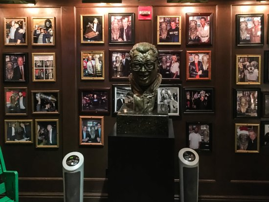 Harry Caray's Italian Steakhouse: A Bust of the Legend
