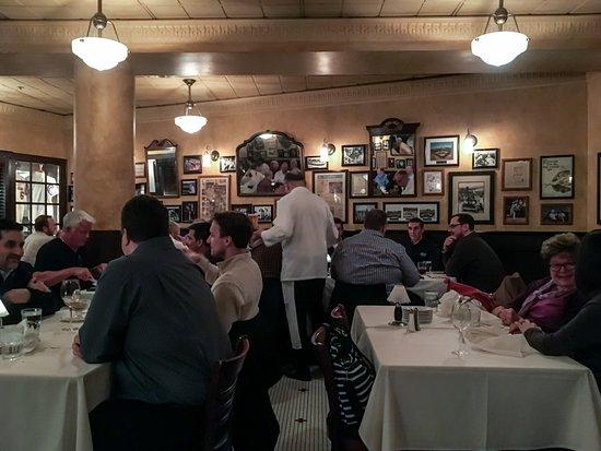 Harry Caray's Italian Steakhouse: Interior