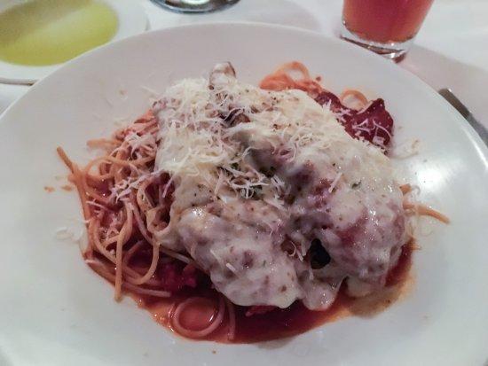 Harry Caray's Italian Steakhouse: Chicken Parmigiana