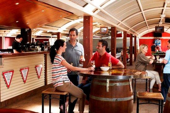 Outback Pioneer Hotel & Lodge, Ayers Rock Resort: Restaurant