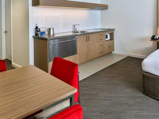 Novotel Sydney Rooty Hill: Guest room