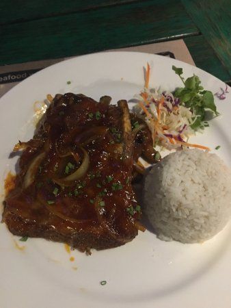 Meads Beach Bar & Grill: Pork Ribs - fell off the bone
