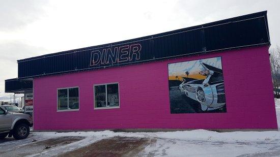 Legendz Diner: outside