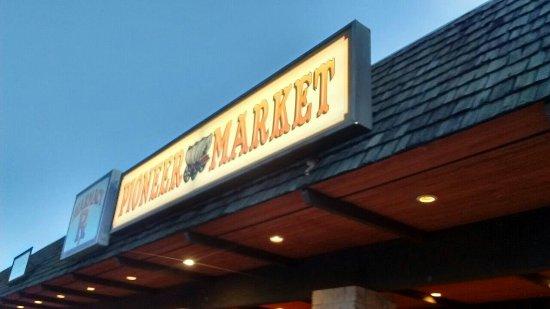 Mariposa, كاليفورنيا: Pioneer Market