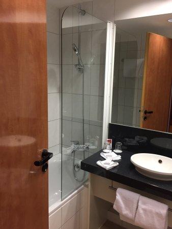 badezimmer bild von austria trend hotel salzburg west wals tripadvisor. Black Bedroom Furniture Sets. Home Design Ideas