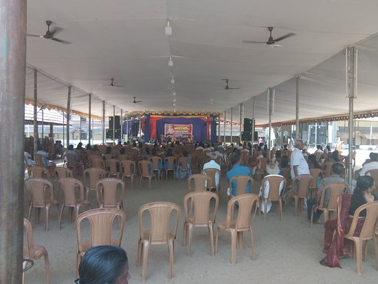 Ambalapuzha Sree Krishna Temple: Some devotional programme was going on even at the noon time