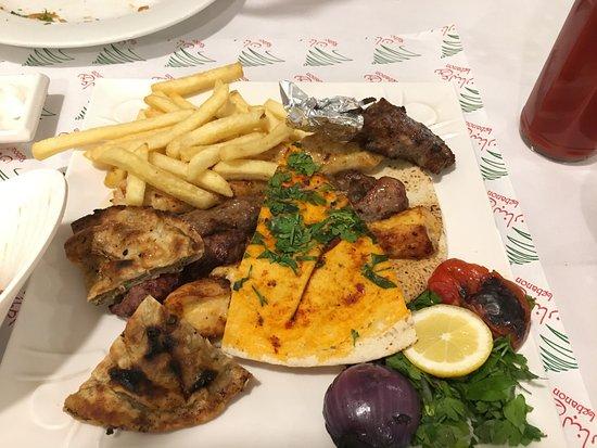 Khorfakkan, Förenade Arabemiraten: Mixed Grill