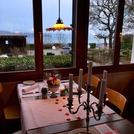 Waedenswil, Suíça: Schöne Atmosphäre mit der Zürichsee Aussicht 😍