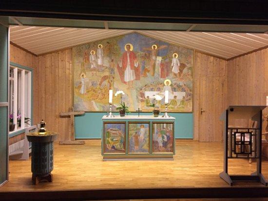 Svalbard Kirke: The Altar
