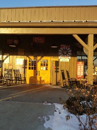 Cracker Barrel Old Country Store & Restaurant Foto
