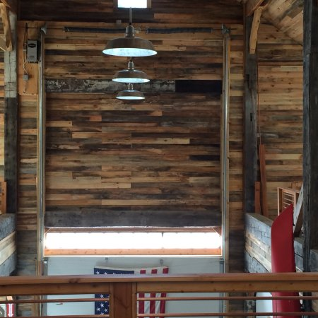 West Chesterfield, Nueva Hampshire: Distillery pictures