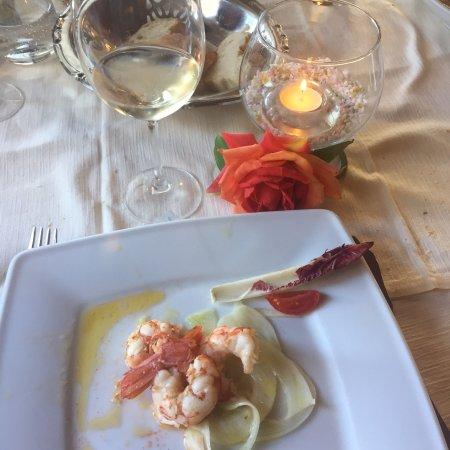 Hotel Italia: Menù in base a quello che il mare ci offre!!tutto molto fresco e sopratutto molto molto buono
