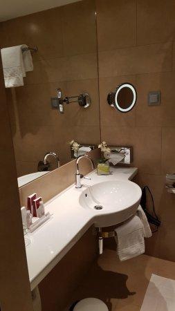 Austria Trend Hotel Ananas : Bagno