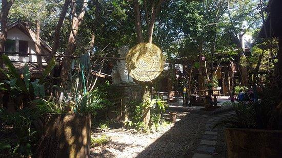 Kad Sala Mae Kru Kum