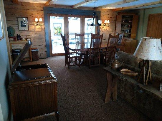 Greenwoods Bed and Breakfast Inn: IMG_20180118_155837789_large.jpg