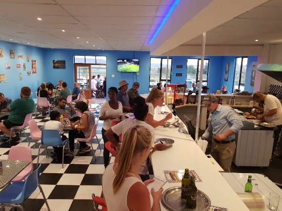 Aliwal North, Sudáfrica: Retro decor, a real 60's American Diner!