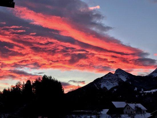 Oberaichwald, Austria: Sonnenaufgang vom Zimmerbalkon