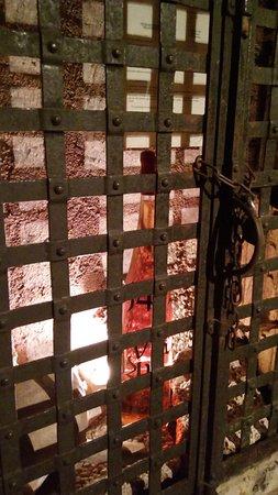Cave historique des hospices civils de Strasbourg : Vinho engarrafado mais antigo do mundo