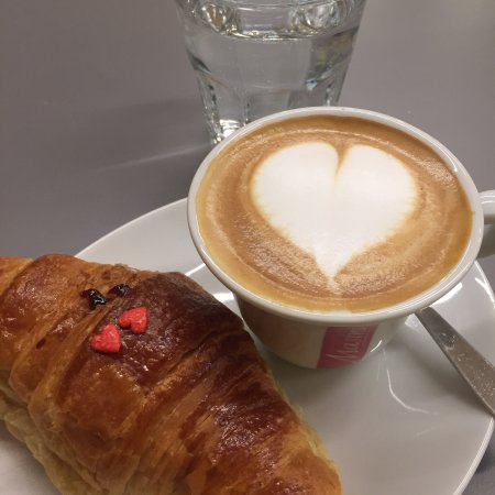 Bonjour Cafe Di Passone Roberta изображение Bonjour Cafe