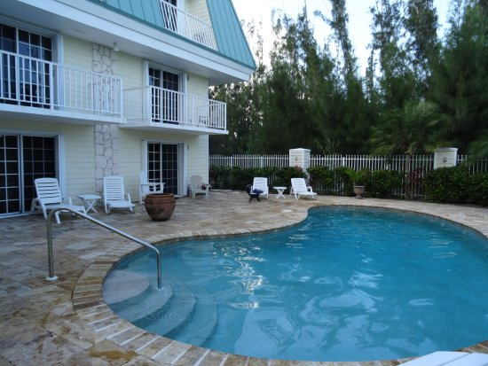 Colindale Condos, Hotels in Grand Bahama Island