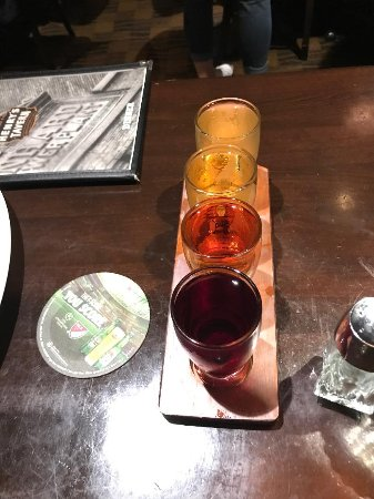 Henry's 12th Street Tavern: Degustação de Sidras