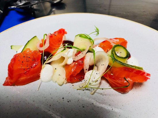 Kirtlington, UK: Gin & Beetroot Cured Salmon, Pickled Fennel & Cucumber, Lemon Yogurt