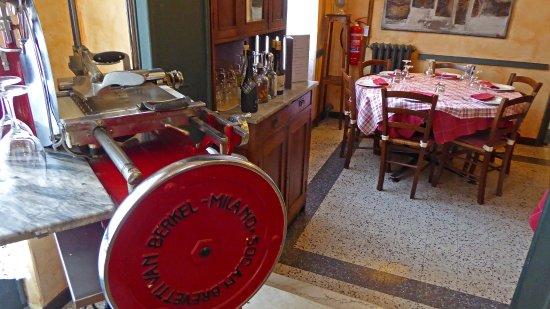 Lisanza, Italy: La storica affettatrice Berkel