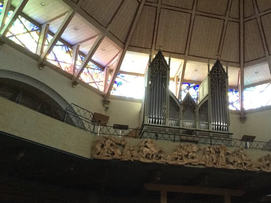 Chiesa Parrocchiale Santa Maria Assunta con Cimitero
