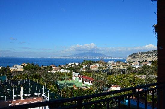 Hotel Central: panorama dalla terrazza, vista del Vesuvio e del golfo di Napoli