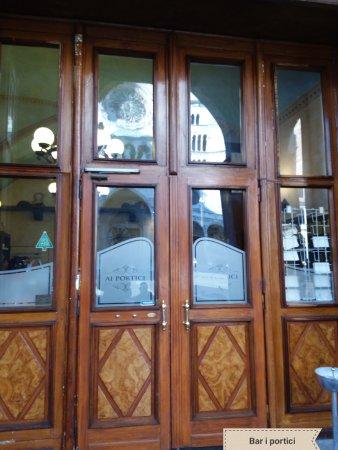 Ristorante bar portici del comune in cremona for Bar ai portici