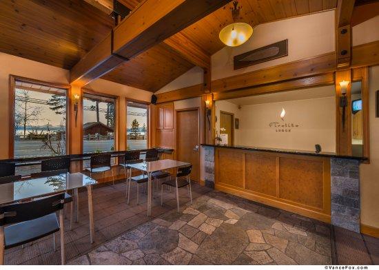 ทาโฮวิสตา, แคลิฟอร์เนีย: Lobby and breakfast area