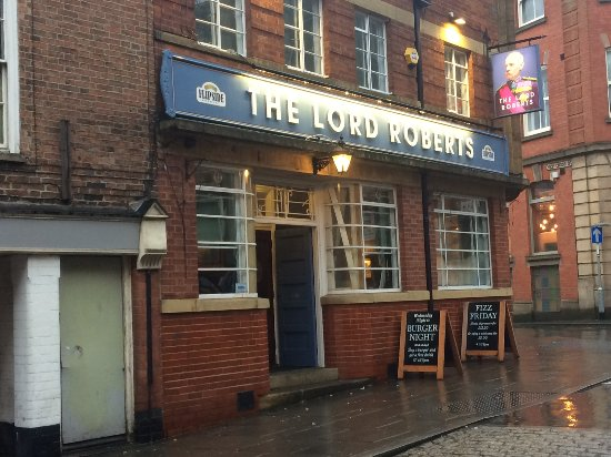 ‪The Lord Roberts Pub‬