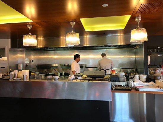 Me Mee Chinese Restaurant Open Kitchen
